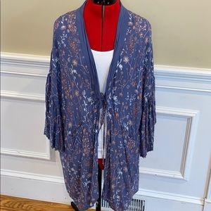 Universal Thread Kimono